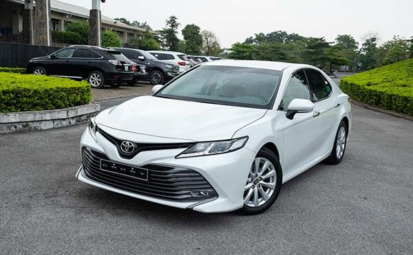 Toyota-Camry-2020